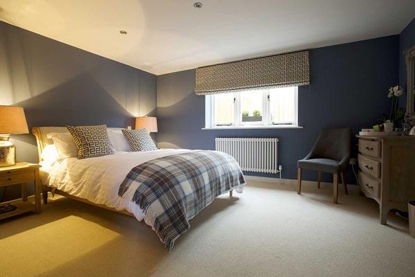 Bedroom-at-Packhorse-Inn-Moulton-in-Hugh-St-Clair-Link-Blue-Klinker